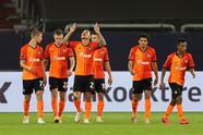 Con goles de Junior Moraes, Tason, Alan Patrick y Dodo, el Shakhtar golea en Alemania al Basel para situarse como uno de los mejores cuatro equipos en la Europa League.