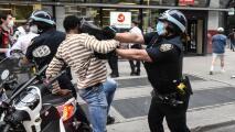 ¿El proyecto de reformar la policía en Nueva York limita a los oficiales en la lucha contra el crimen?