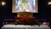 """""""Mi hijo debería haberme enterrado"""": madre de Daunte Wright en el funeral de su hijo"""
