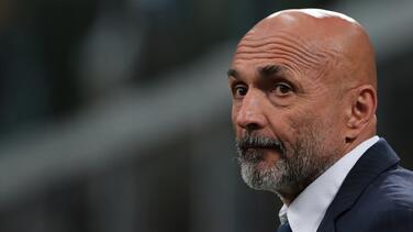 Luciano Spalletti es nuevo técnico del Napoli y del 'Chucky' Lozano