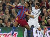 Ronaldinho intenta burlarse de Sergio Ramos pero recibió respuesta épica