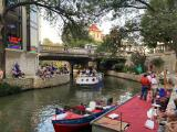 Desfile de los Texas Cavalier, un evento celebrado en medio de la pandemia por coronavirus y clínicas de vacunación