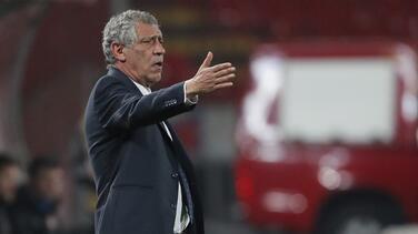Fernando Santos dice que árbitro se disculpó y se dijo avergonzado