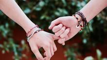 Gobernador de Texas veta proyecto que requeriría que escuelas enseñen prevención de violencia en el noviazgo