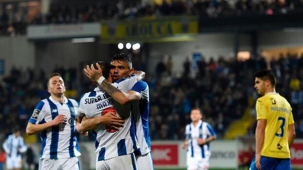 Porto goleó 4-0 al Arouca y es líder en Portugal