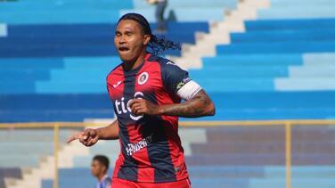 'Gullit' Peña es capitán del FAS y marca su segunda anotación