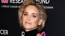 ¿Implantes sorpresa? Sharon Stone asegura que le aumentaron el busto sin su consentimiento