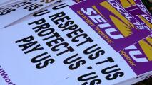 """""""No es sorpresa"""": manifestante sobre paro de trabajadores del sistema de salud del condado de Cook"""