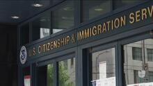 Inmigración permitirá reabrir algunos casos de deportación ¿Quiénes se pueden beneficiar y cuáles son los requisitos?