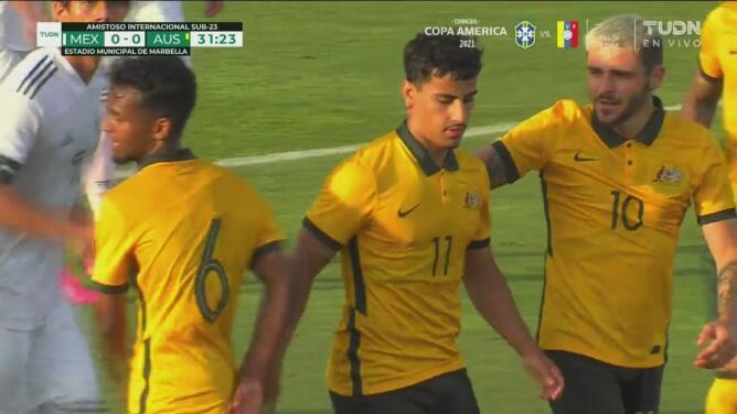 ¡Vencen a Malagón! Daniel Arzani marca el 0-1 de Australia vía penal