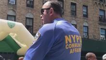 Policía de Nueva York lanza un programa en la calle en donde ocurrió el tiroteo que involucró a dos niños