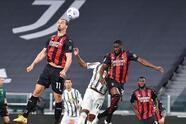 Milan golea a la Juventus a domicilio con marcador de tres a cero. Las anotaciones corrieron a cargo de Brahim Díaz (46'), Ante Rebic (78') y Fikayo Tomori (82') durante la Jornada 35 en la Serie A. La escuadra 'rossonera' se acerca a la Champions League.