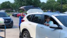 El Distrito Escolar Independiente de Dallas inicia distribución de comidas durante el verano