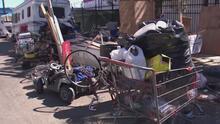 ¿Por qué se acumula tanta basura en el área de Pacoima y cuál es el plan para garantizar la limpieza?