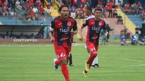 Carlos Peña marca golazo de tijera en victoria del FAS