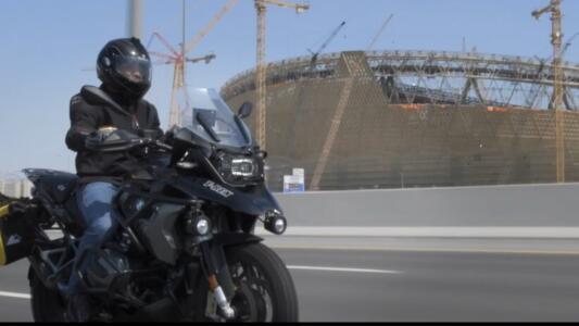 ¡Cafú recorre en moto las sedes del Mundial Catar 2022!