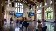 Iglesias de California podrán dar misa tras fallo de la Corte Suprema