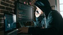 Evita ser víctima de estafadores telefónicos descubriendo cuáles son sus artimañas más comunes
