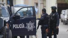 """""""No entran, no salen"""": Enfrentamientos del crimen organizado tienen tomada la ciudad de Aguililla, Michoacán"""
