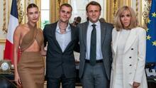 Lo más comentado: el look que eligió la esposa de Justin Bieber para la reunión con el presidente de Francia