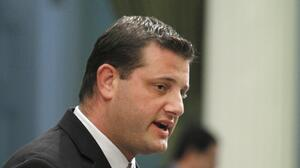 David Valadao rompe con su partido y vota a favor de investigar hechos del 6 de enero